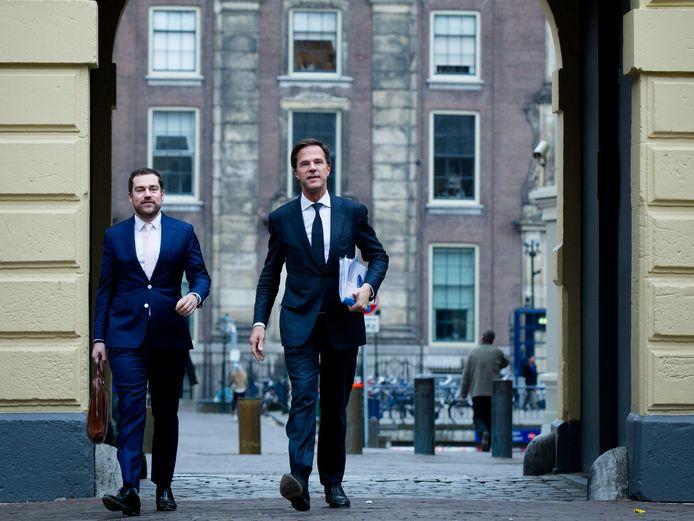 Klaas Dijkhoff met premier Rutte. Dijkhoff werd lang gezien als potentieel opvolger, maar bedankt daar nu voor.