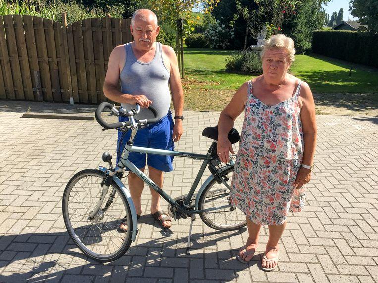 Frans en Imelda Van Caesbroeck zijn na 30 uur weer herenigd bij hen thuis in Breendonk. En de fietstochtjes, die geven ze nog lang niet op.
