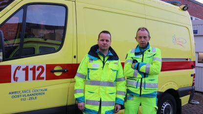 """Ambulanciers klagen wetswijziging aan die hen én slachtoffers in gevaar brengt: """"20 minuten moeten wachten terwijl elke seconde telt"""""""