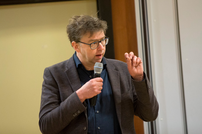 De Lochemse wethouder Henk van Zeijts.