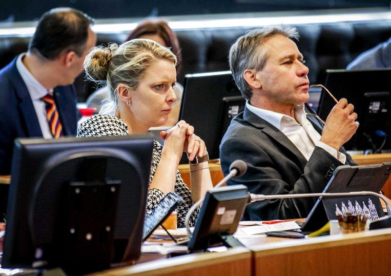 Gedupteerden Marianne van der Sloot (CDA, samenleving, cultuur en erfgoed) en Rik Grashoff (GroenLinks, natuur, water en milieu) tijdens een debat over de landbouw. Beeld ANP