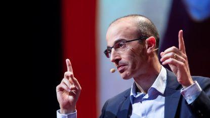Historicus Yuval Noah Harari wordt door iedereen op handen gedragen. Wat is zijn geheim?