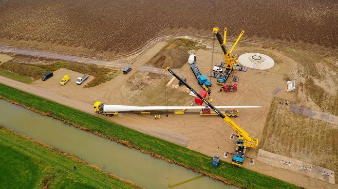 Het bouwterrein waar windpark de Bijvanck verrijst.