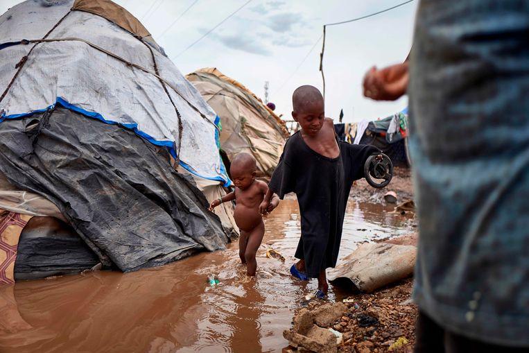 Twee kinderen in een vluchtelingenkamp in centraal Mali in 2019.   Beeld AFP