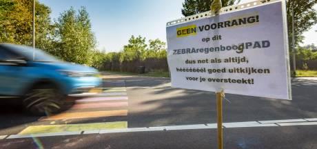 Als Zutphen niet voor een zebrapad zorgt doen de mensen het zelf wel: 'Hopelijk schudt het ze wakker'