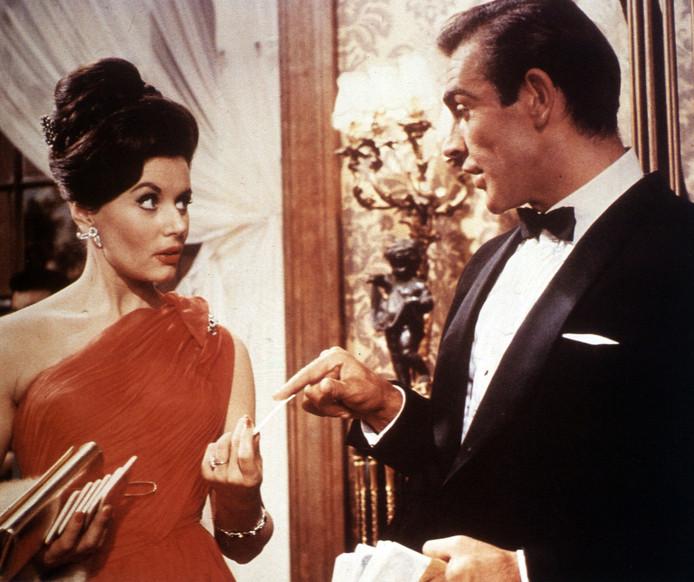 Eunice Gayson en Sean Connery.