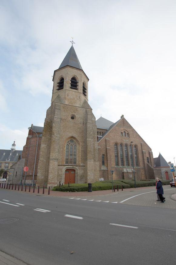 De Sint-Willibrorduskerk wordt gerenoveerd.