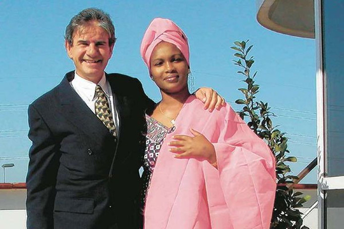 Tob Cohen en zijn vrouw Sarah Wairimu