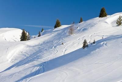 Un skieur meurt après une avalanche dans les Hautes-Alpes