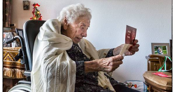 Kerstkaart voor eenzame ouderen: 'Ik ken geen Joke'