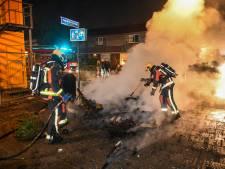 Politie zoekt nog steeds naar vuurwerkvandalen: agenten en fotografen belaagd