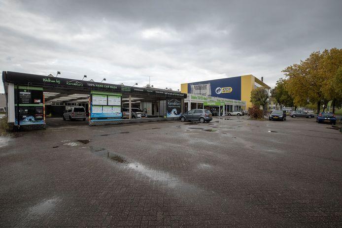 Eindhoven ED2020-6972 *Kare4karz*, *de vGrootste Bazaar* op de Hugo van der Goeslaan