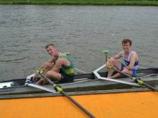 Julius van Hulst (16) uit Empel twee maal jeugdkampioen op NK roeien