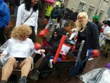 Carnavalfabet met bijvoorbeeld de W van Wijvensjouwen