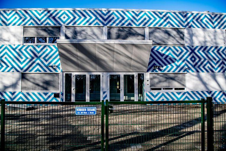 Het Cornelius Haga Lyceum in Amsterdam. Nederlandse banken dreigen de bankrekeningen van de school en zijn bestuurders te blokkeren. Beeld Hollandse Hoogte / Robin Utrecht