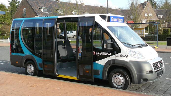 Een buurtbus van Arriva. De halte in Nieuwaal keert volgend jaar terug, maar reizigers moeten wel verder lopen.