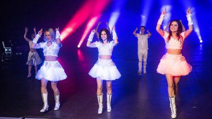 """VIDEO. K3 neemt nieuwe clip op: """"Feestnummer vol hints naar oude hits"""""""