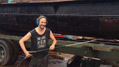 BINNENKIJKEN. 'De Luizenmoeder'-acteur Maarten Ketels woont op een boot in Londen