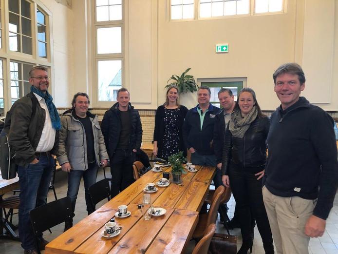 Onlangs bracht een delegatie vanuit de gemeente Lochem al een bezoek aan de Gasfabriek in Deventer. Geheel links wethouder Erik-Jan de Haan met naast hem ondernemer Ronnie Degen.