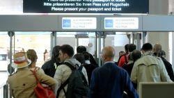 Lange wachtrijen op Brussels Airport door stiptheidsactie douaniers