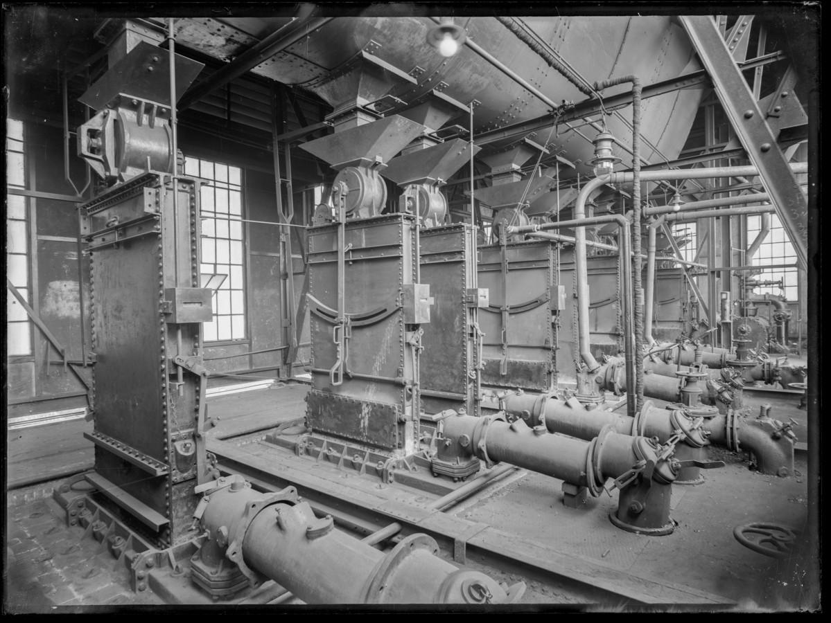 De gasfabriek in Breda. Het gebruik van gas werd rond de bevrijding drastisch teruggeschroefd.
