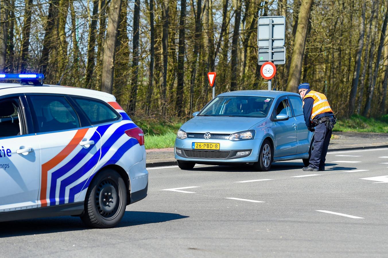 Belgische Politie controleert auto die de grens over willen