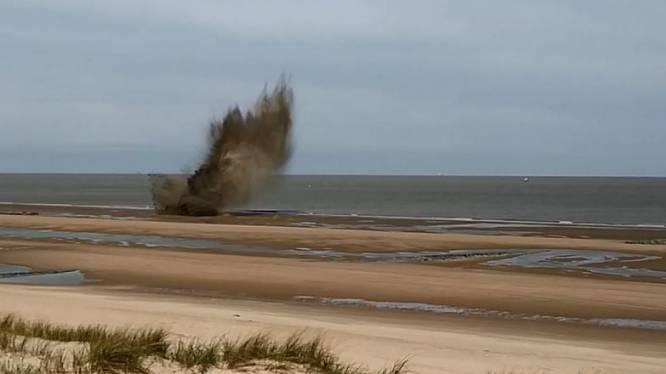 Bouwvakkers vinden lekkende granaat in De Haan: ontmijningsdienst laat springtuig ontploffen op strand