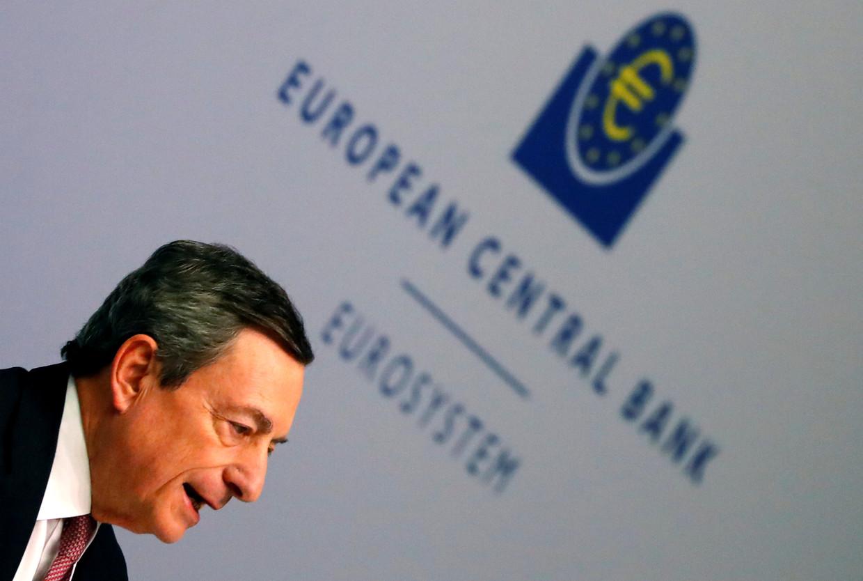 Mario Draghi van de Europese Centrale Bank draait wederom de geldkraan open in de hoop de economie te stimuleren.