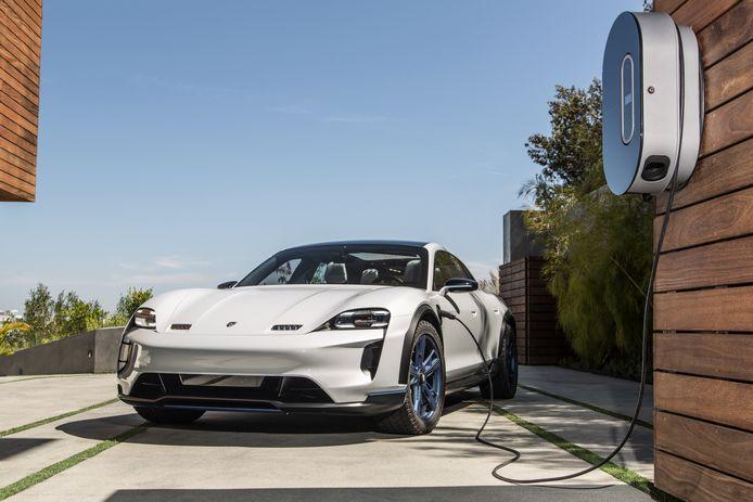 De Porsche Taycan: volledig elektrisch