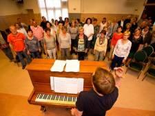 Hilariteit om koor speciaal voor valse zangers