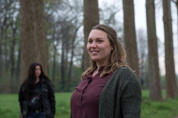 Suzanne Leemans, op de achtergrond Monique Kers