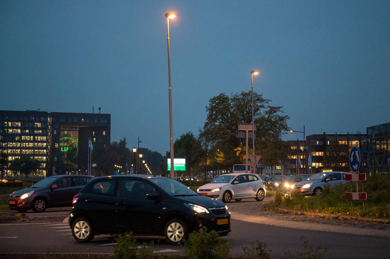 Verkeersdrukte op de Mansholtlaan in Wageningen.