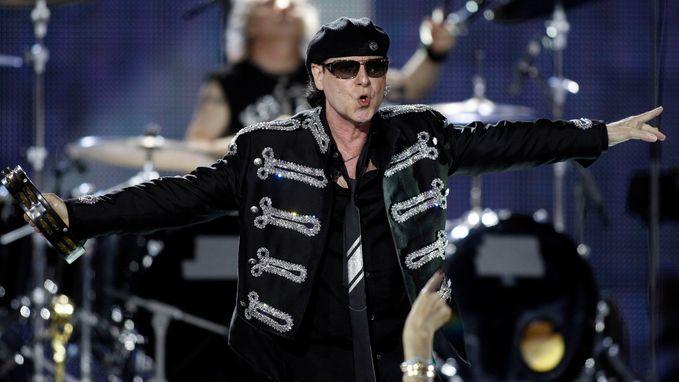 Duitse hardrocklegende Scorpions moet VS-tournee afbreken wegens ziekte zanger Meine
