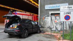 Man (50) overleden na frontale botsing aan Craeybeckxtunnel