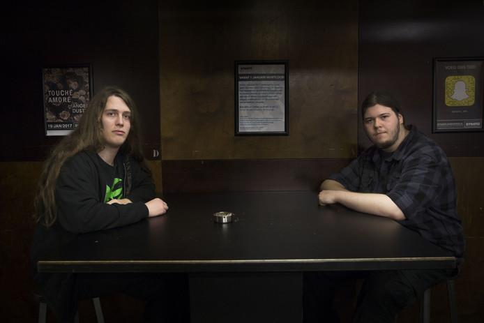 Kenners Pim Goverde (links) en Mitchell Hendriks over Eindhoven Metal Meeting: 'Op metalfestivals is de onderlinge verbroedering groot'.