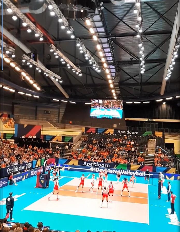 Turkije versloeg Polen in de halve finale van het OKT volleybal.