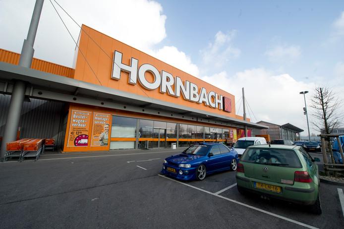 Hornbach heeft diverse vestigingen in Nederland, zoals deze in Breda.