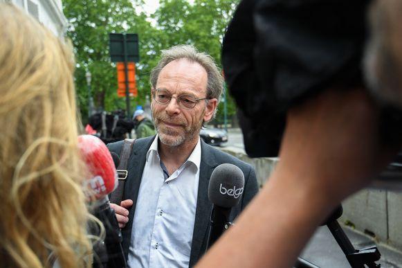 Peter De Roover (N-VA) bij aankomst voor de meeting van de superkern. Volgens hem was dit niet de formule om dergelijke zware pakketten in af te spreken.