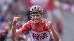 Belgen boven in epische Strade Bianche: eerste profzege Benoot, Van Aert derde
