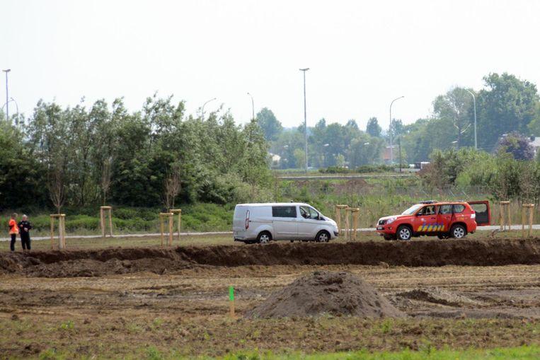 DOVO kwam ter plaatse om de bom onschadelijk te maken en plaatste de bom in een put van drie meter diep met een aarden omwalling rond.