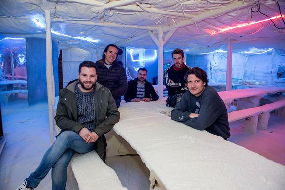 De drijvende krachten achter Closer/Dichterbij Yves, Joost, Gregory, Joris en Thomas.