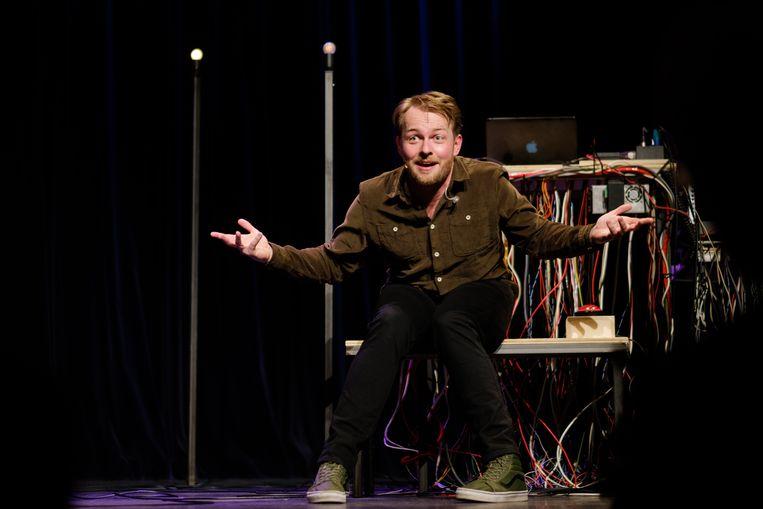 Marcel Harteveld: 'Ik heb een lied over fake news omdat ik dat echt heel zorgwekkend vind.'  Beeld Sebastiaan ter Burg