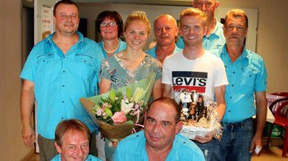 Fandag Eli Iserbyt-Laura Verdonschot bij supportersclub 't Paradijs
