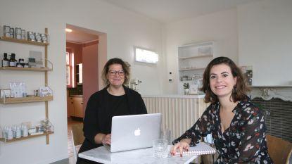 Sara en Noémie ruilen pop-up in het Oud College voor zaak in Kumtich