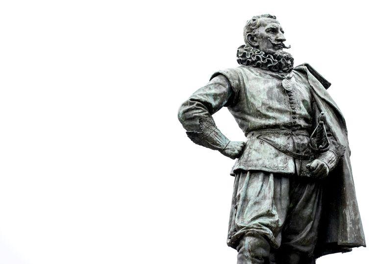 Een beeld van Jan Pieterszoon Coen, gouverneur-generaal van de VOC, in Hoorn. Beeld ANP