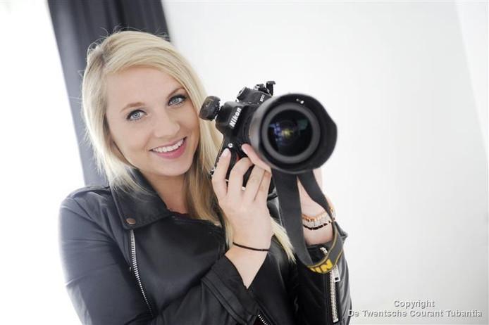 Lisette Lubbers heeft met haar camera menig bevalling vastgelegd.