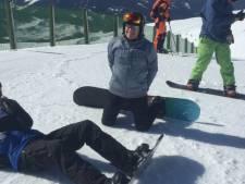 Oudste snowboardleraar (76) van Nederland wil nog jaren door