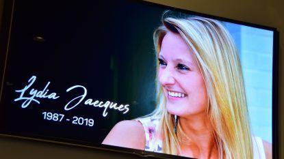 """Emotioneel afscheid van Lydia (32), die omkwam na ongeval met parapente: """"In de lucht gaf je iedereen het nakijken"""""""