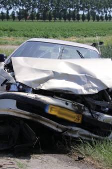 Twee gewonden bij verkeersongeval Lewedorp