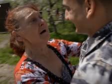 Kevin (19) sluit zijn moeder na bizarre wending eindelijk in de armen: 'Wees niet boos, ik heb je niet afgestaan'